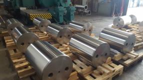 Gruppo di cilindri cromati e rettificati